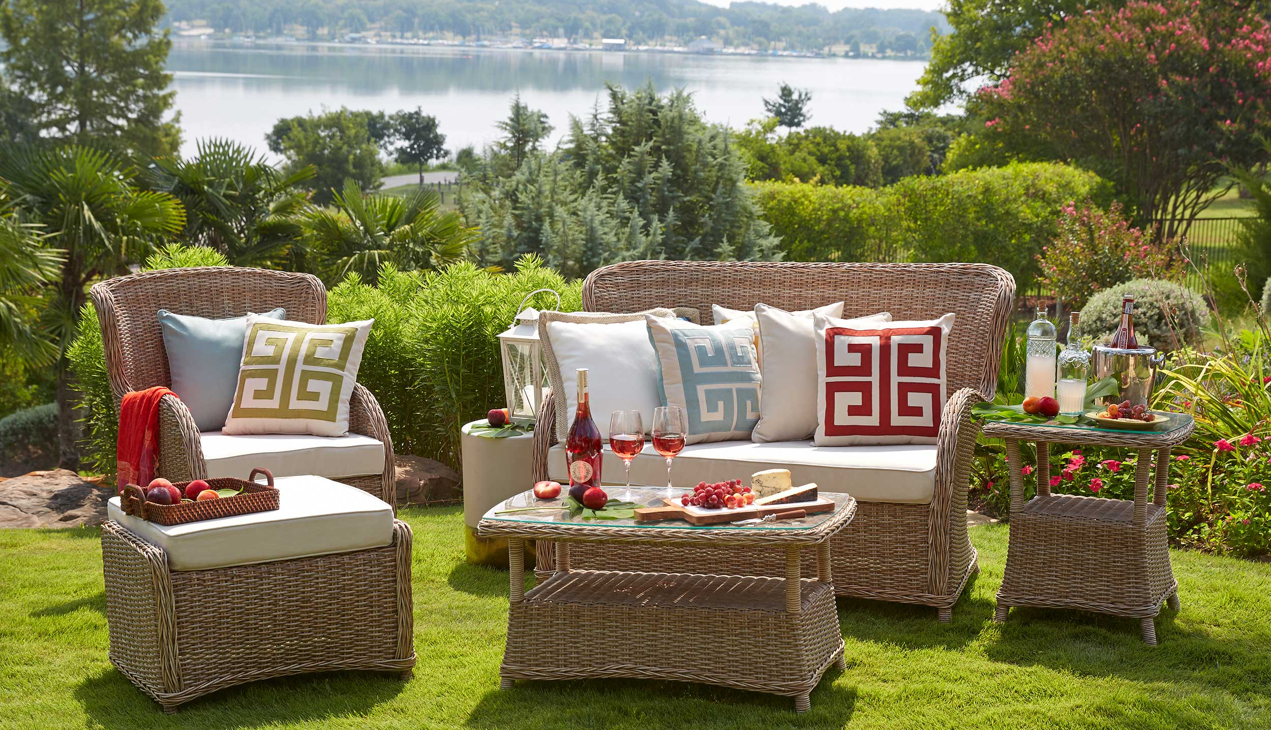 Capella_Island_Seating_PKG_07_31_14